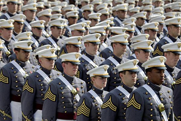 西点军校(United States Military Academy)学生。(Lee Celano/Getty Images)