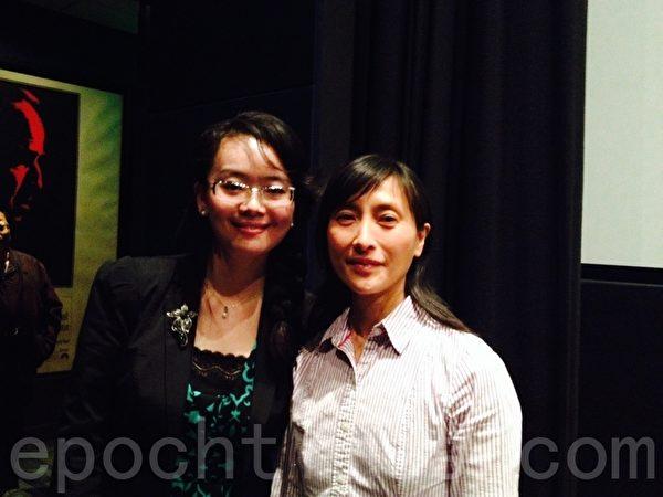 《我們在此相遇》的導演美蕾(左)和主角之一、受迫害倖存者吳碧雲合影。(秦川/大紀元)