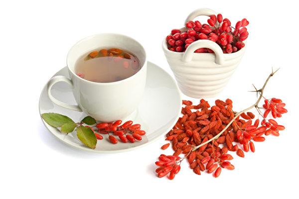 枸杞能提高机体免疫力,适合体质虚弱、抵抗力差的人吃。(Fotolia)