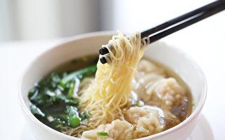 最新调查显示,有超过1/3人(36%)的美国人至少每月吃一次中餐,大部分选择点外卖或在中餐馆进餐。(Fotolia)