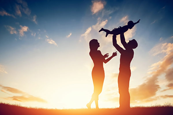 美國喬治亞州發起一個新項目,鼓勵父母與嬰兒多交談。(Fotolia)