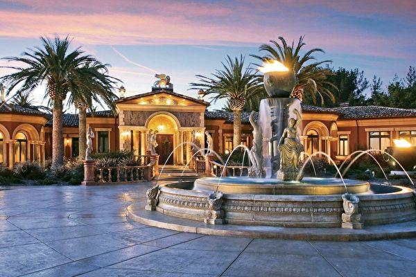 Exotic Garden入口處前的噴水池。(Dana Cappiello提供)