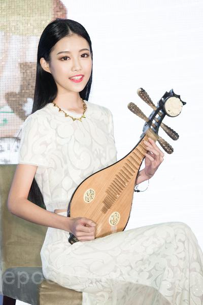 宋蘋恩继任昆凌,成为新一代微风女郎。(陈柏州/大纪元)