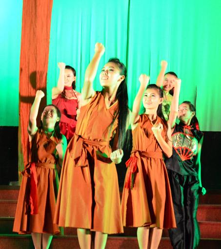 """在热爱舞蹈的莫雪晶的领导下,培南独中的舞展""""复活""""了。(莫雪晶提供)"""
