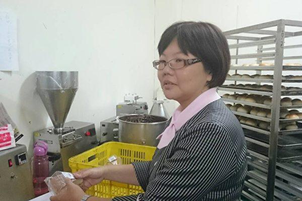 巴特里烘焙吳佳旂經理表示,深深體會婦女生育後再重返職場的困難,因此公司提供中高齡婦女彈性工時、獎勵制度,讓婦女能兼顧家庭。(吳佳旂提供)