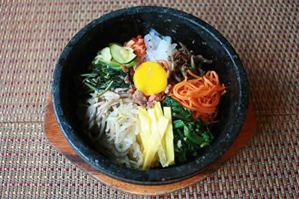 """石锅拌饭。(""""甘味屋""""提供)"""