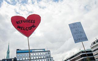 就在欧洲难民危机加剧之际,一些大企业与私人企业家开始捐款捐物,援助躲避战乱的中东难民。(Jonathan Nackstrand/AFP/Getty Images)