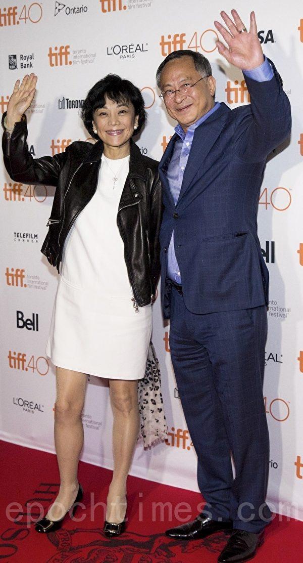 圖: 張艾嘉(Sylvia Chang)和導演杜琪峰。(艾文/大紀元)