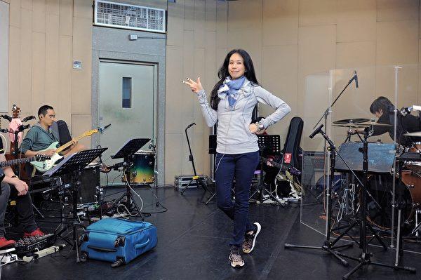 莫文蔚近期忙著演唱會彩排。(環球國際唱片提供)