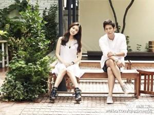 韩国女星秋瓷炫(左)与中国大陆男星于晓光最近公开恋情。(newsis提供)