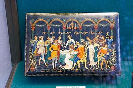以莫札特作曲的歌剧《费加洛婚礼》为主题的珠宝盒,一九三六年制。 (商周出版社  提供)