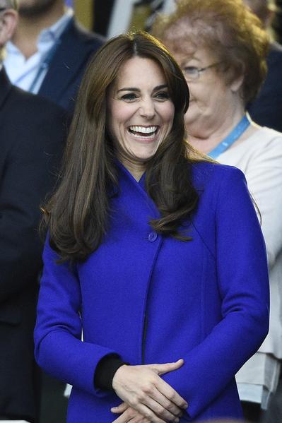 2015年9月18日,英國倫敦,凱特王妃出席拉格比世界杯橄欖球賽開幕典禮。(FRANCK FIFE/AFP)