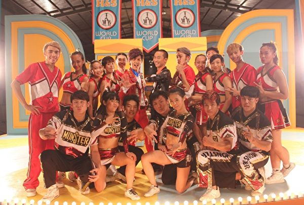 浩角翔起MV特别找来Monster竞技啦啦队,要让大家感受热血。(时代创艺提供)