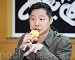 林昶佐活跃于文化创意、国际摇滚音乐界与国际人权领域,目前为2016台北市中正万华区的立法委员候选人。(陈柏州/大纪元)