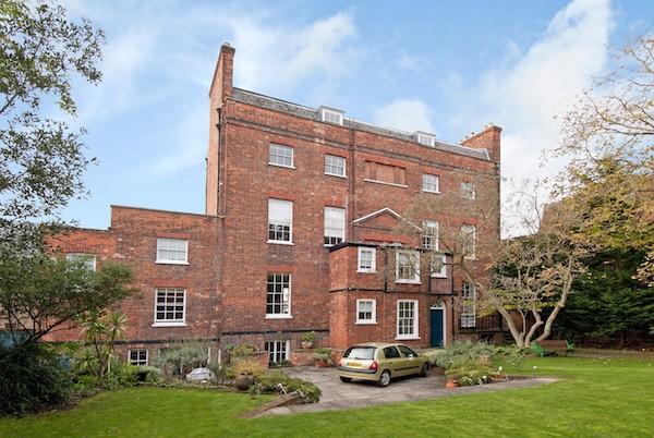 「哈德利之家」的外景。Hadleigh House, 19 Sheet Street, Windsor, Berkshire,325萬英鎊