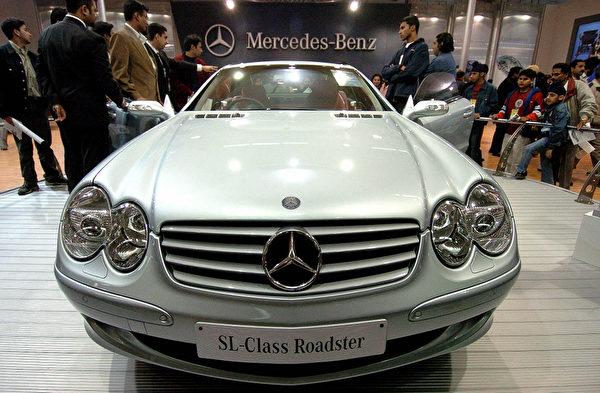 奔馳SL-Class(法新社)