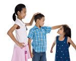 德国莱比锡大学的研究发现,在两个以上的孩子中,长子长女最聪明,但其智商只比弟弟或妹妹多大约1.5分,差异不大。(Fotolia)