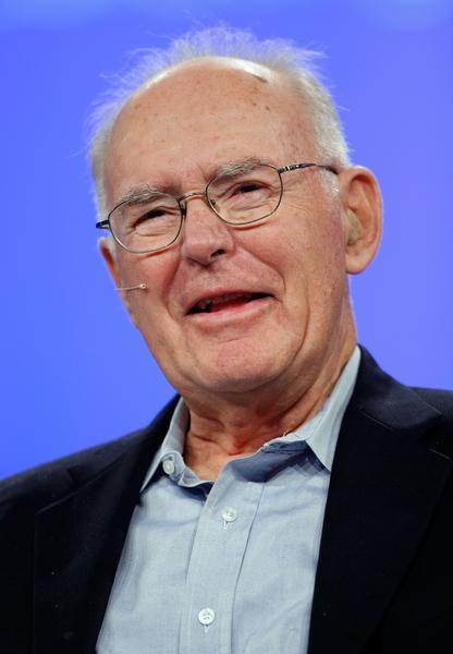 """英特尔(Intel)创办人之一摩尔已经捐出50亿美元做慈善,2001年成立的""""摩尔基金会""""(Moore Foundation)主要关心环保、健康与旧金山社区等议题。(Justin Sullivan/Getty Images)"""