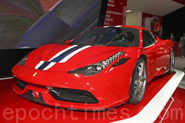 法拉利新車Ferrari 458 Speciale A紅色款。(關宇寧/大紀元)