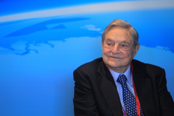 索罗斯是索罗斯基金管理公司(Soros Fund Management)的创始人,现为开放社会基金会(Open Society Foundations)主席。(ChinaFotoPress/Getty Images)