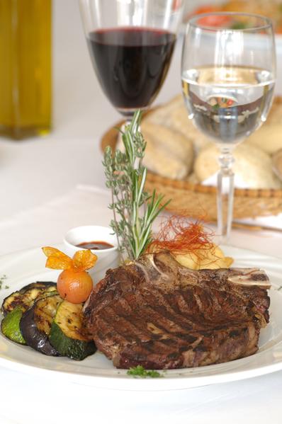 进入旅游知名网站TripAdvisor的排行餐厅几乎都以西式餐厅为主。(Fotolia)