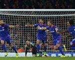 3-2击败阿森纳后,奥林匹亚科斯成为首支做客英格兰获胜的希腊球队。(GLYN KIRK/AFP/Getty Images)