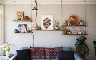 图:通常一些老房子会在墙的高处有装饰木条,把John设计的铁钩挂上,再把木板固定好,就可以做成有田园气息的简约架子。(John提供)