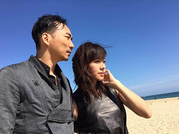 《百日告别》男女主角石头(左)与林嘉欣于釜山影展。(国家电影中心提供)
