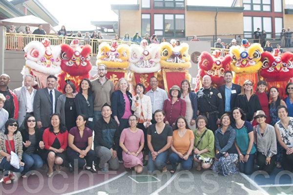 全美第一所中文沉浸式學校建校20年