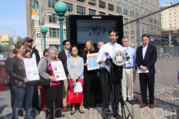 紐約州議員史葛靜9日发布轄區內最差地鐵站榜單。(蔡溶/大紀元)
