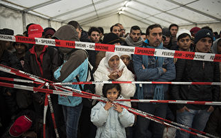 德國國會15日通過多項解決難民危機的措施,目的加速歐洲東南部移民的庇護與驅逐出境程序。(ODD ANDERSEN/AFP)