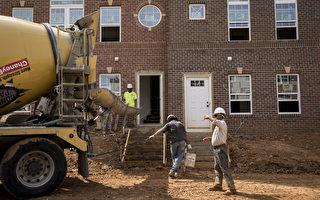 美国住宅房建筑9月继续强势增长,新屋开工数量比上个月增长6.5%。相比之下,建房市场劳工不足的问题显得更为突出。图:美国的一处住宅房建筑工地。(Drew Angerer/Getty Images)
