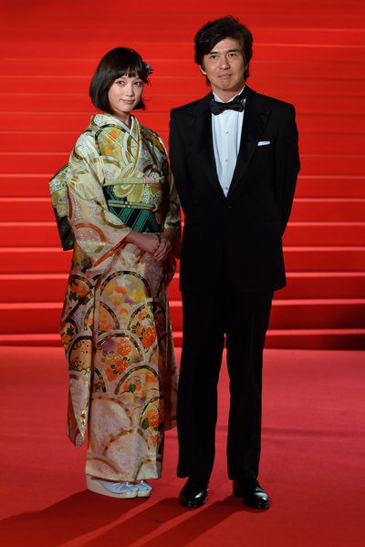 本田翼(左)與佐藤浩市主演電影《起終點站》為今年東京電影節閉幕片。(Koki Nagahama/Getty Images)