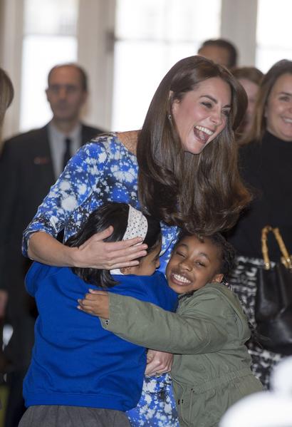 2015年10月26日,凱特王妃與孩子們一道參加《小羊肖恩》主題遊樂活動。(Ian Vogler - WPA Pool/Getty Images)
