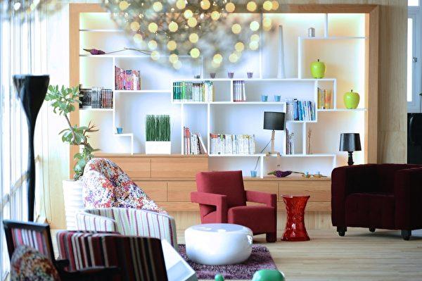 津道沙灘酒店內部設計上讓遊客很有渡假的感覺。(高市府觀光局提供)