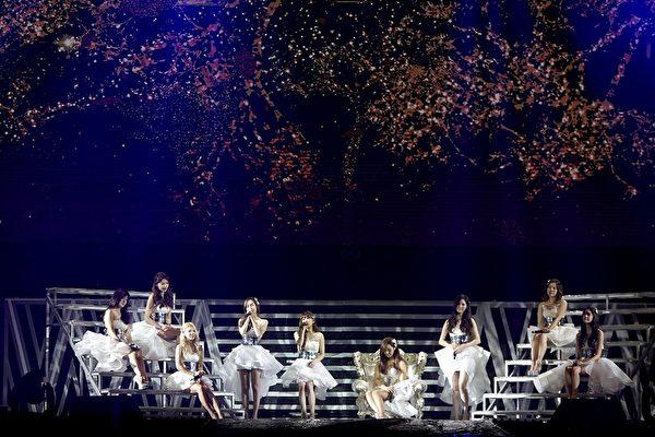 SM家族演唱會紀實電影畫面,圖為少女時代。(公關提供)