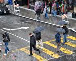 旧金山下了今年雨季的首场雨,滋润了久旱的大地。(曹景哲/大纪元)