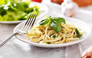 義大利麵能提供身體運作所需能量,只要注意份量及使用的醬汁,義大利麵也是非常健康的食物之一。(Fotolia)