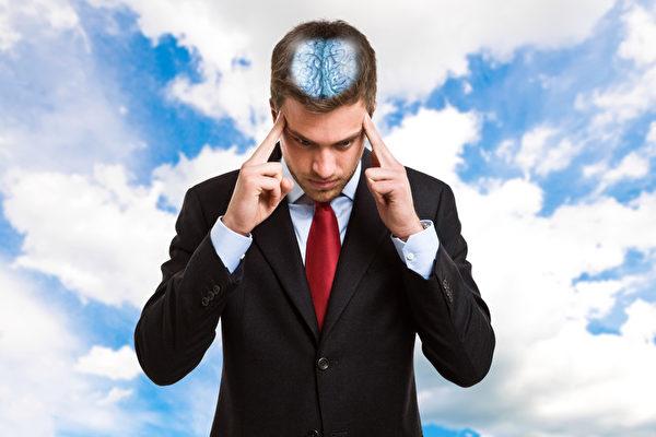 现代人无论在工作上或是读书时,都会面临许多内在或是外来的干扰,结果导致分心,降低工作效率与品质。(Fotolia)