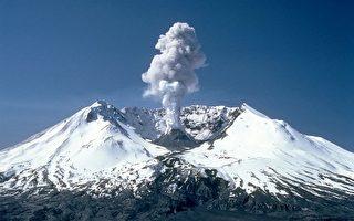 圖為經歷1980年爆發後的華盛頓州聖海倫火山口。新研究顯示,該火山之下隱藏著岩漿庫,未來可能還會出現爆發事件。(維基百科公有領域)