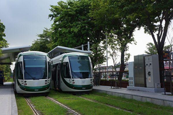 全台第一座轻轨-高雄轻轨轻轨有助于发展绿能城市的建设。(高市观光局提供)