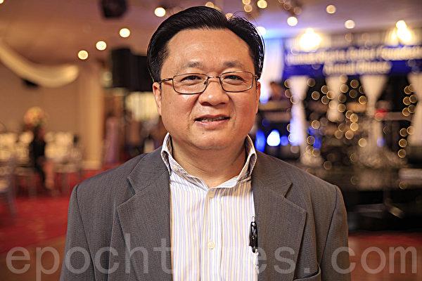 11月6日晚,在悉尼西区坎利高地水晶宫酒家(Crystal Palace Restaurant Canley Height)越南人权基金会举办了为人权募捐的年度晚宴。图为人权基金会总裁Than Nguyen(袁丽/大纪元)