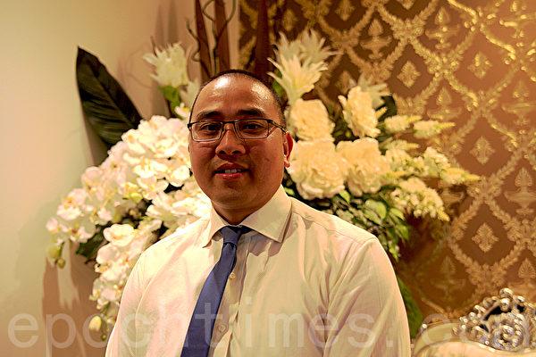 11月6日晚,在悉尼西区坎利高地水晶宫酒家(Crystal Palace Restaurant Canley Height)越南人权基金会举办了为人权募捐的年度晚宴。图为滨城(Bankstown)副市长Clr Toan NGUYEN(袁丽/大纪元)