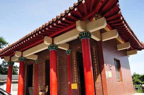 东澳岭庆安堂,祭祀开路先峰爷,位于苏花公路(台9线)里程116.8K处(图片提供:tony)