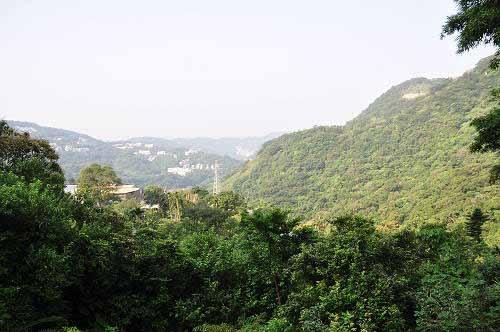 从观景平台眺览风景。 (图片提供:tony)