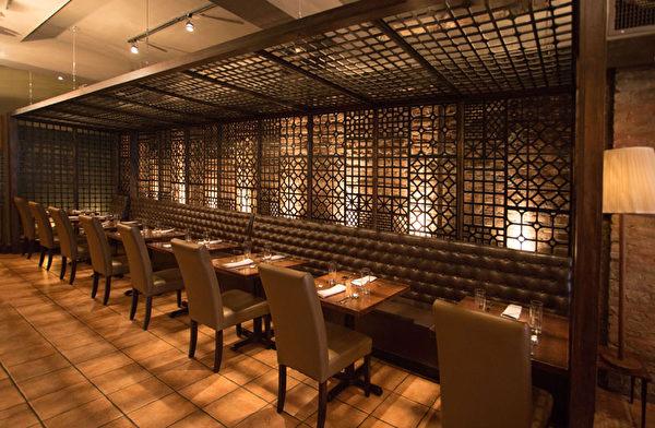 传统、古朴、典雅的The Nuaa泰餐厅。(张学慧/大纪元)