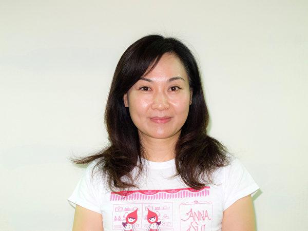 """一向关注人权、高雄市议员陈丽娜表示:""""希望中共当局正视这一波的诉江潮,把法轮功被迫害这件事情列为非常重要的调查案件。""""(明慧网)"""
