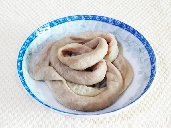 猪小肠是四神汤的主要食材。(彩霞/大纪元)
