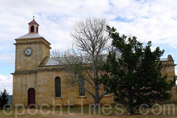 阿沃卡村古老的教堂--圣-托马斯圣公会教堂(St.Thomas Anglican Church)(华苜/大纪元)