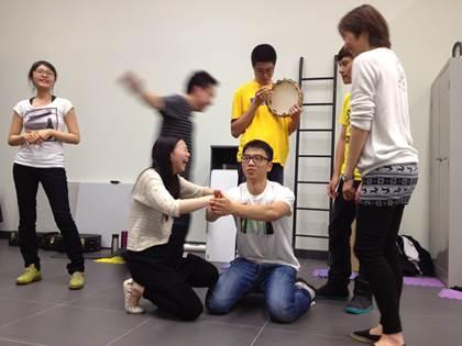 """""""燃动青年""""行政总监黄凤玲表示:""""学习虽然轻松,但绝对认真。""""(主办单位提供图片)"""